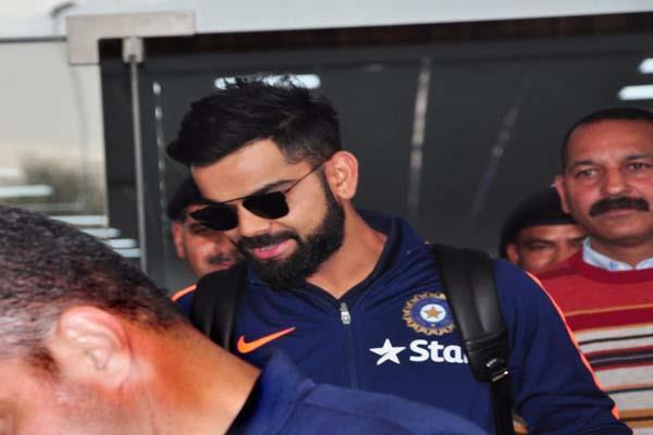 आस्ट्रेलिया टीम को टक्कर देने के लिए टीम इंडिया धर्मशाला पहुंची