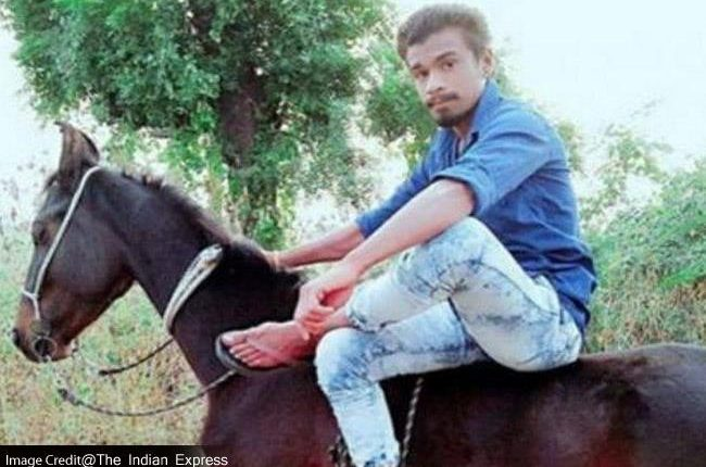 गुजरात : ऊंची जाति वालों को रास नहीं आई बहुजन युवक की घुड़सवारी, कर दी हत्या