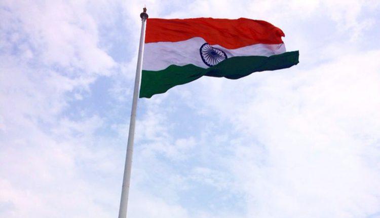 क्या वाकई में भारत का राष्ट्रीय ध्वज तिरंगा है..?