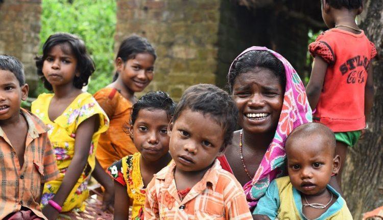 सवाल दस लाख आदिवासी परिवारों का नहीं पचास लाख आदिवासियों का है