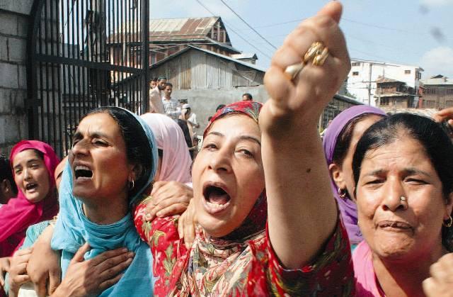 अमेरिकी सांसद बोले कश्मीर में मानवीय और मानवाधिकारों के 'संकट' को लेकर बेहद चिंतित हैं
