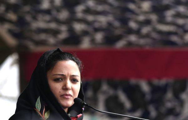 सेना की आलोचना पर शेहला रशीद पर देशद्रोह का केस :सेना को पवित्र गाय, घोषित करने के निहितार्थ