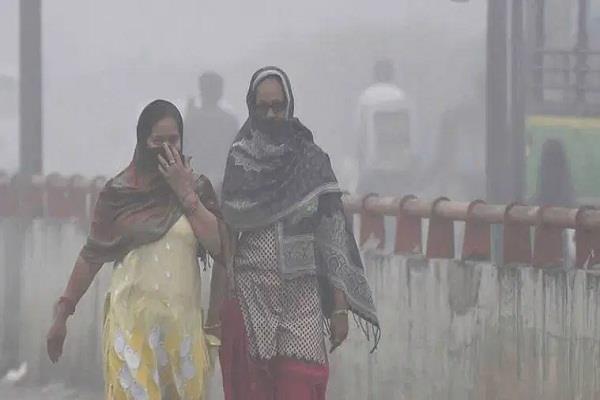 दिल्ली की हवा स्वस्थ्य मनुष्य के लिए जहरीली हो चुकी है।