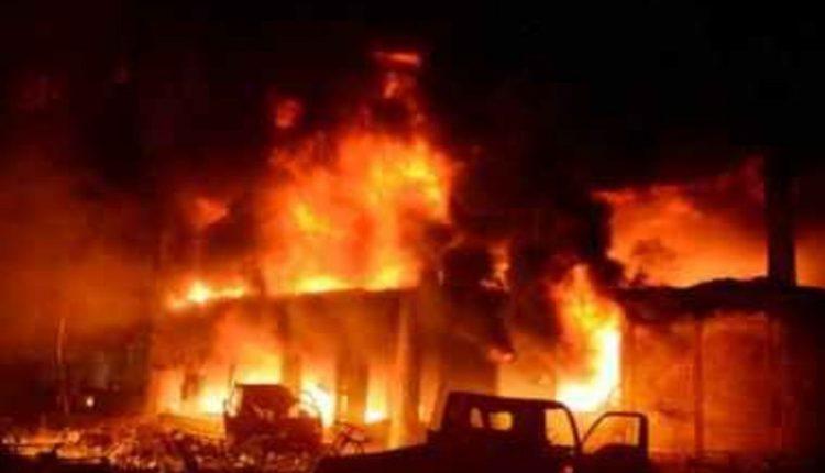 आग की लपटों में झुलस रही राजधानी दिल्ली, अब तक 5 की मौत