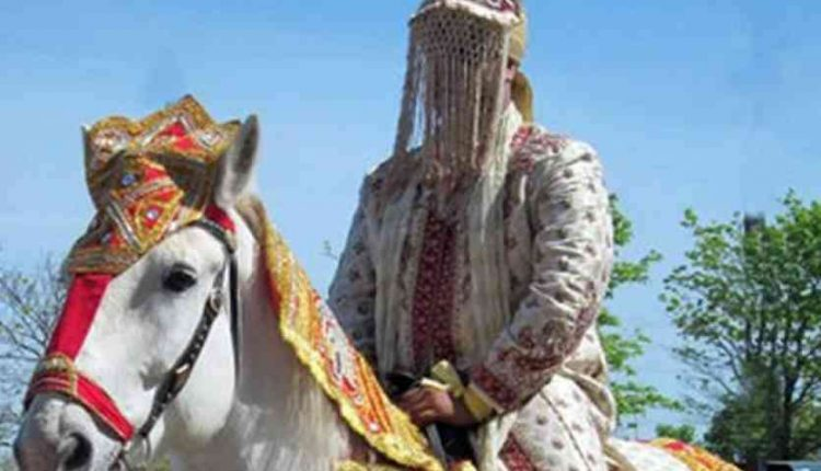 गुजरात: बहुजन आर्मी जवान के घोड़ी चढ़ने पर पथराव, एफआईआर दर्ज